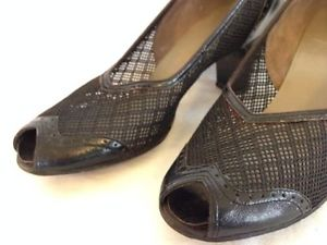 1930s-peep-toe-pump