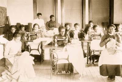 young-women-sewing-18991