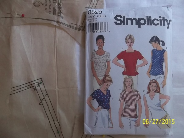 Simplicity 8523
