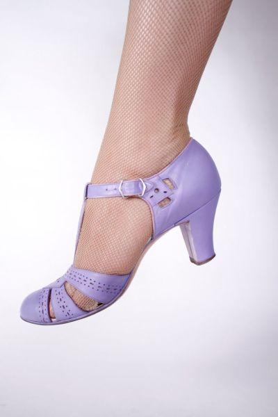 Gorgeous Periwinkle Purple T-Strap