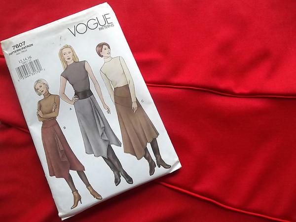 Vogue 7607